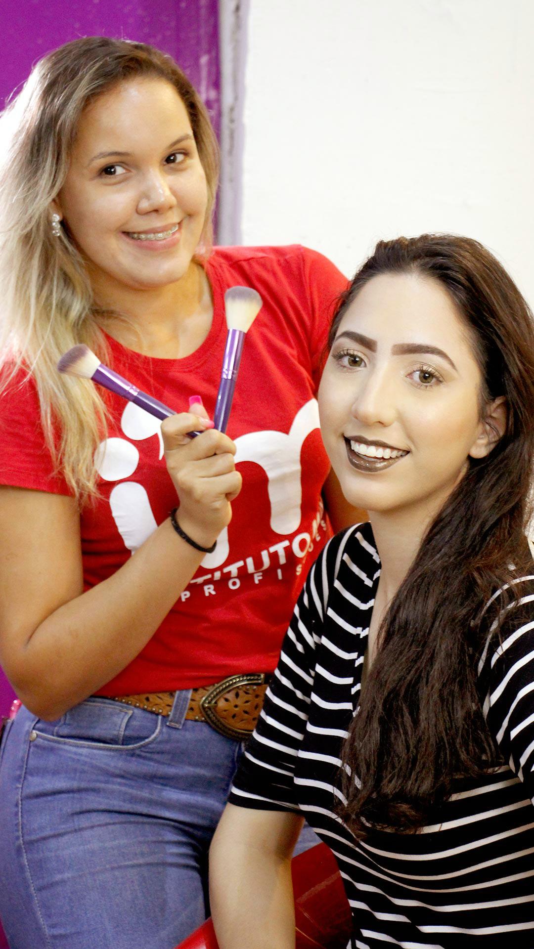 Foto da Maquiadora e modelo