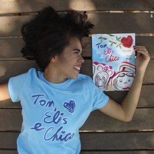 Jovem escritora de Pentecoste lança livro durante a Bienal