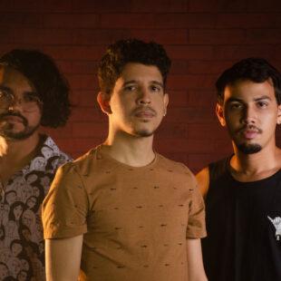 Banda Caixeiros viajantes lança o EP NOITE